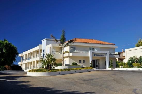 Hotel Kedrissos: Hotel Exterior