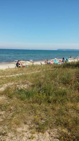 Jugendzeltplatz Prora : Strandbesuch am Abend.Zeltplatz. Weg zum Strand. Strand. Noch einmal Weg zum Strand. Zeltaufbau.