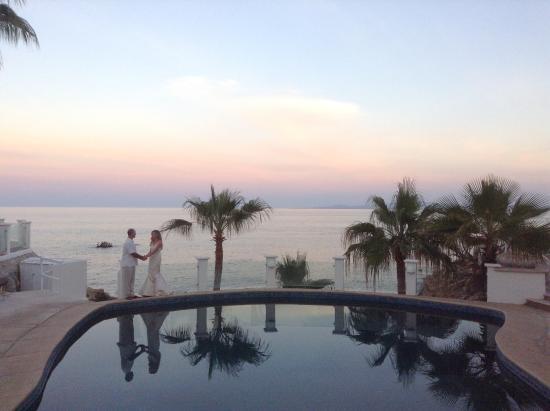 Punta Pescadero Paradise Hotel & Villas: Sun set