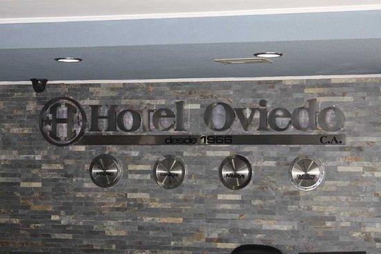 Hotel Oviedo: Recepcion