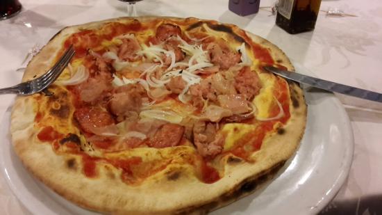 Il Brigantino : Pizza con impasto alla napoletana