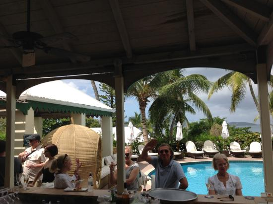 Sugar Mill Hotel: Fun at the Pool Bar