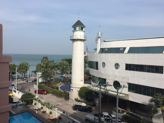 A-ONE Pattaya Beach Resort: photo1.jpg