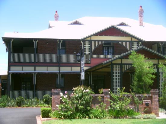 the manor house from the road picture of ballina manor ballina rh tripadvisor com au