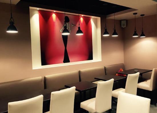 restaurant la sentinelle dans binic avec cuisine fran aise. Black Bedroom Furniture Sets. Home Design Ideas