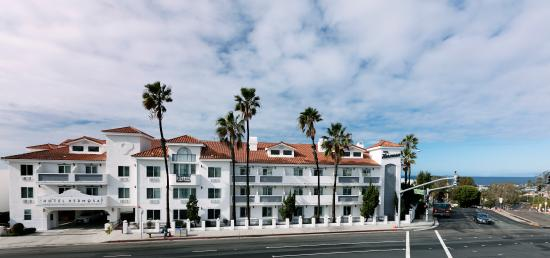 Hotel Hermosa Located On Pacific Coast Highway