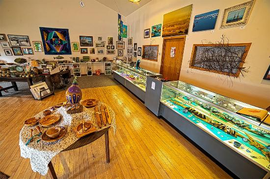 Manistique, MI: Lake Effect Art Gallery