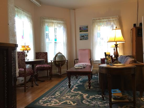 Catskill Lodge Bed and Breakfast: photo2.jpg