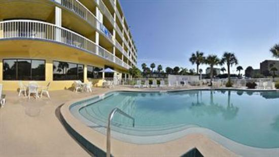 suites building pool picture of best western cocoa beach hotel rh tripadvisor co nz
