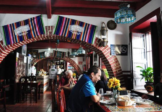El Tapatio: Salão do restaurante