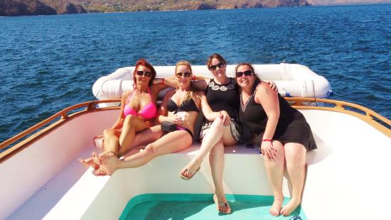 Charlie's Adventure Tours: Lounging ladies
