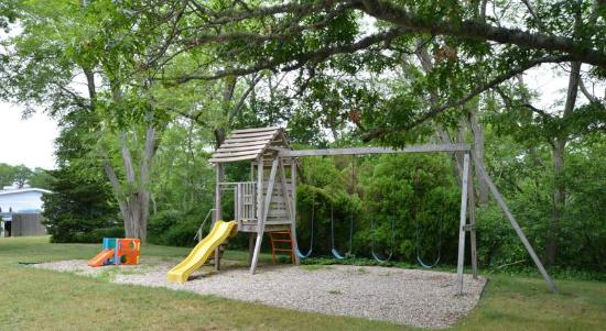 Blue Dolphin Inn: Kids Playarea
