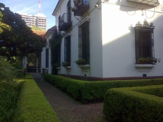 Museo de Arte Espanol Enrique Larreta Photo