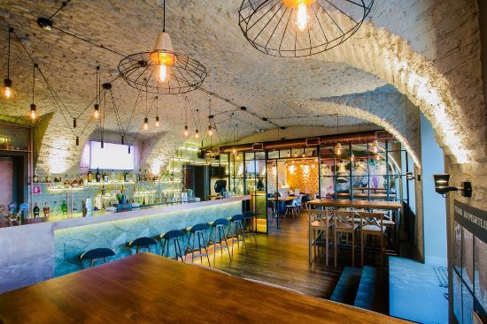 Cafe Bar OZZ