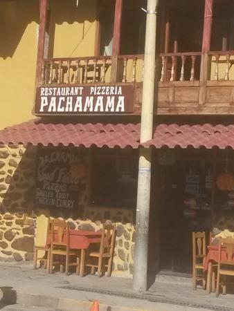Pachamama Pizzeria: Vista desde la calle