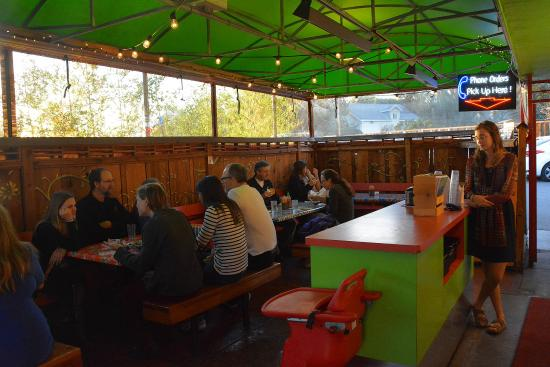 Charlie Hong Kong: Covered seating in this organic fast food place!