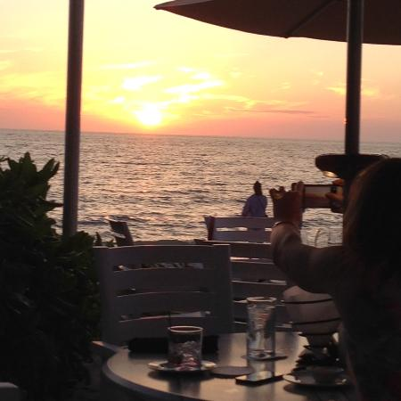 The Turtle Club Restaurant: Sunset dinner