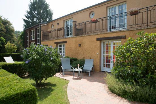 La Boissiere-Ecole, Francia: terrasse chambre louisiane
