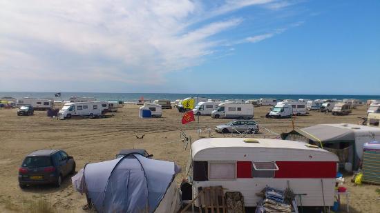 Salin de Giraud, France: camping sauvage gratuit de mai a septembre