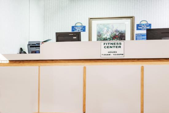 Days Inn Henrietta/Rochester Area: Hotel Front Desk