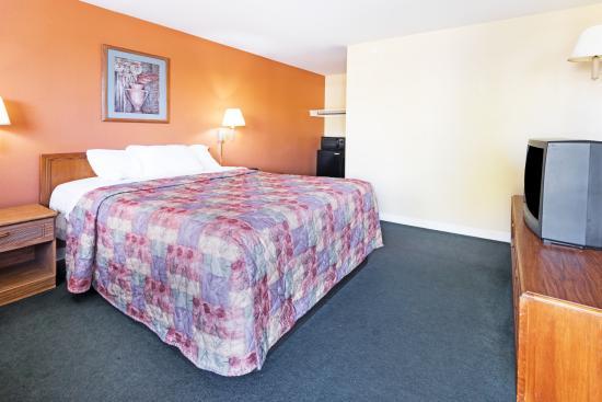 Days Inn Henrietta/Rochester Area: King Bed Room