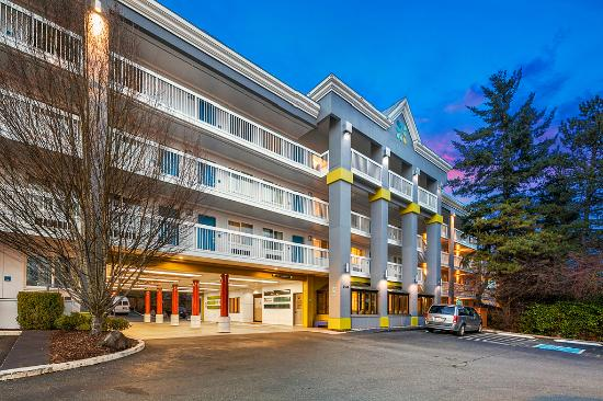 هوتل نيكزس سياتل: Hotel Nexus Exterior - porte cochiere