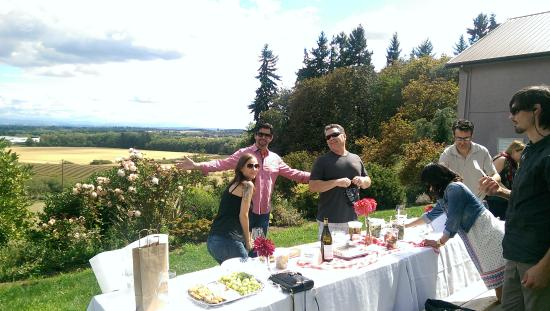 Cristom Vineyards: Great place for a picnic