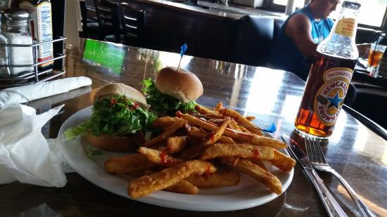 D Street Bar and Grill: Ahi Sliders