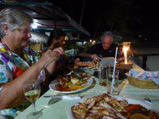 Restaurante Los Crotos: Shrimp on the beach at Los Crotos