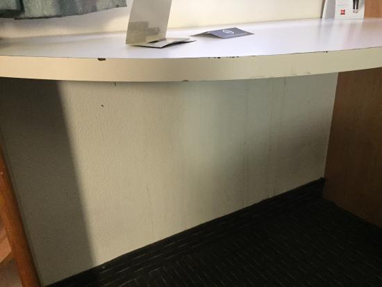 Ibis Newcastle: stains/leaks on the walls