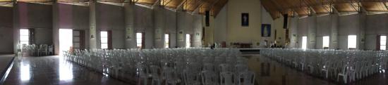 Sao Benedito, CE: Igreja. A foto é antiga, hoje já tem bancos de madeira.