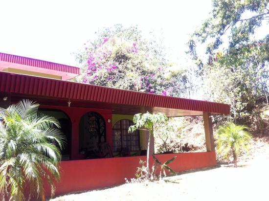Villa Pacande Bed & Breakfast: hotel, porchada