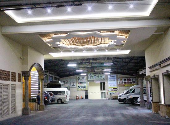 Hotel Hacienda del Sol : Estacionamiento