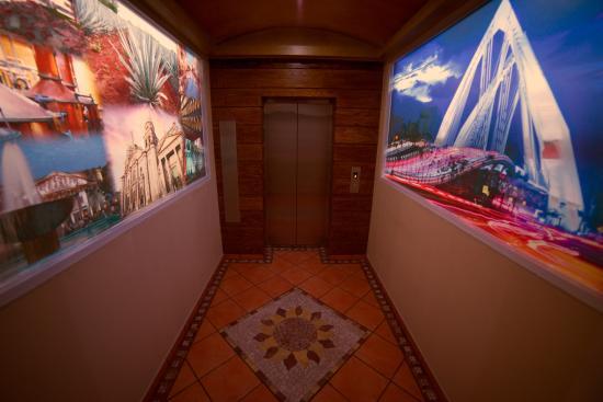 Hotel Hacienda del Sol : Elevador 2  piso