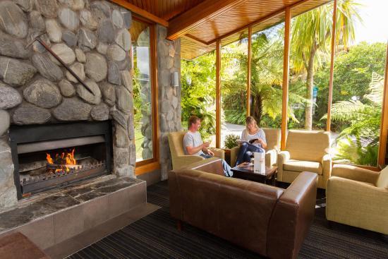 Scenic Hotel Franz Josef Glacier Hotel: Bar/Lounge