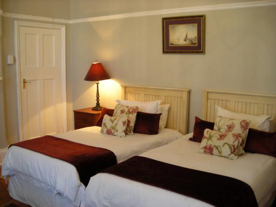 St. Phillips Bed and Breakfast: Room 6