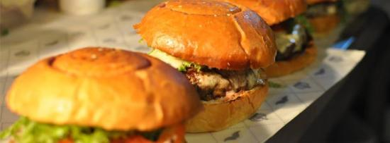 Photo of American Restaurant Hamburgueria Dom Gourmet at Rua Goncalves Dias, 474, Petropolis 25655-122, Brazil
