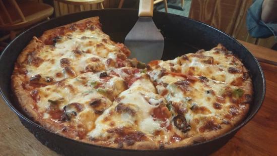 20160222 190353 large jpg picture of leonardo s pizza of rh tripadvisor ca