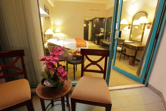 deluxe room 1 picture of blue sky hotel balikpapan tripadvisor rh tripadvisor com