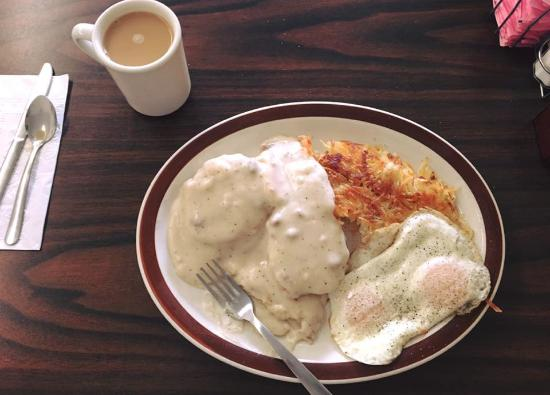 Mountain Cafe: Biscuits and gravy!