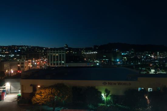 Bay Plaza Hotel: Aussicht bei Nacht