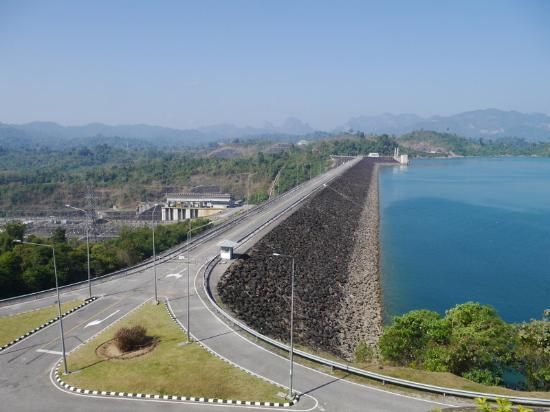 สันเขื่อน - Picture of Cheow Lan Dam (Ratchaprapa Dam ...