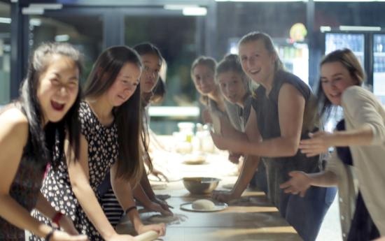 Burwood, Australien: Pizza Making