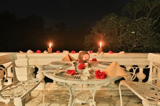Horathapola Estate: outdoor meals