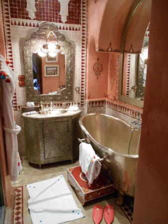 Riad Hikaya: Karama bathroom