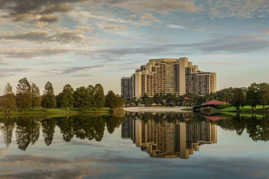Hyatt Regency Grand Cypress: Exterior Hotel Lake