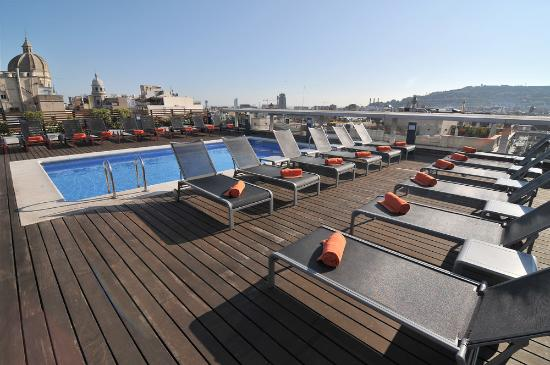 แคซ โฮเต็ล: Pool and Solarium Hotel Jazz Barcelona