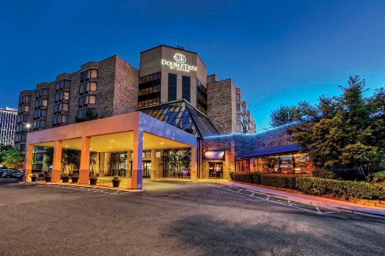 Great stop review of doubletree by hilton hotel memphis for New hotels in memphis tn