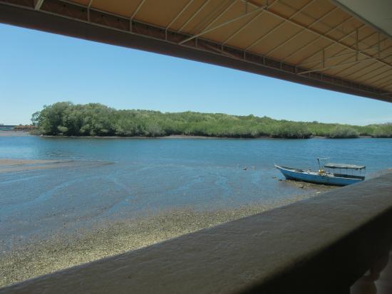 Puerto Caldera, Costa Rica: Vue sur la lagune