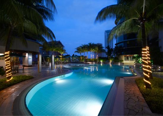 Pullman Kuala Lumpur City Centre Hotel And Residences: Swimming Pool at Prince Hotel Kuala Lumpur